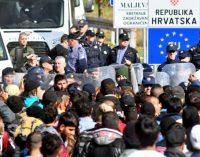 20 tūkstančių peiliais ginkluotų musulmonų nori prasiveržti į Vokietiją
