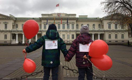 Super-herojai išgelbės Lietuvos vaikus..?