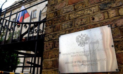 Londono ir Maskvos santykiuose numatomas atšilimas – atkuriamos diplomatinės atstovybės