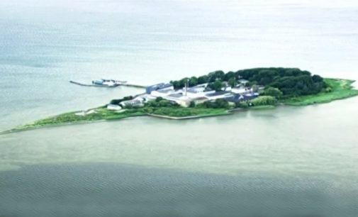 Danijos sala-kalėjimas migrantams