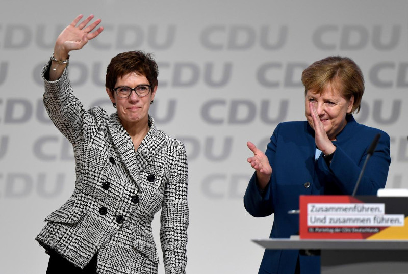 Angela Merkel ir jos įpėdinė Annegret Kramp-Karrenbauer