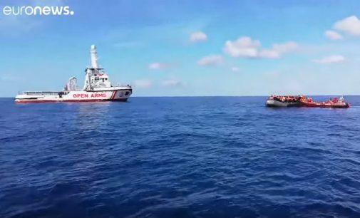 Laivas su išgelbėtais jūroje 308 migrantais atvyko į Ispaniją