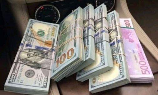 Kratų metu STT aptiko 300 000 eurų grynųjų pinigų