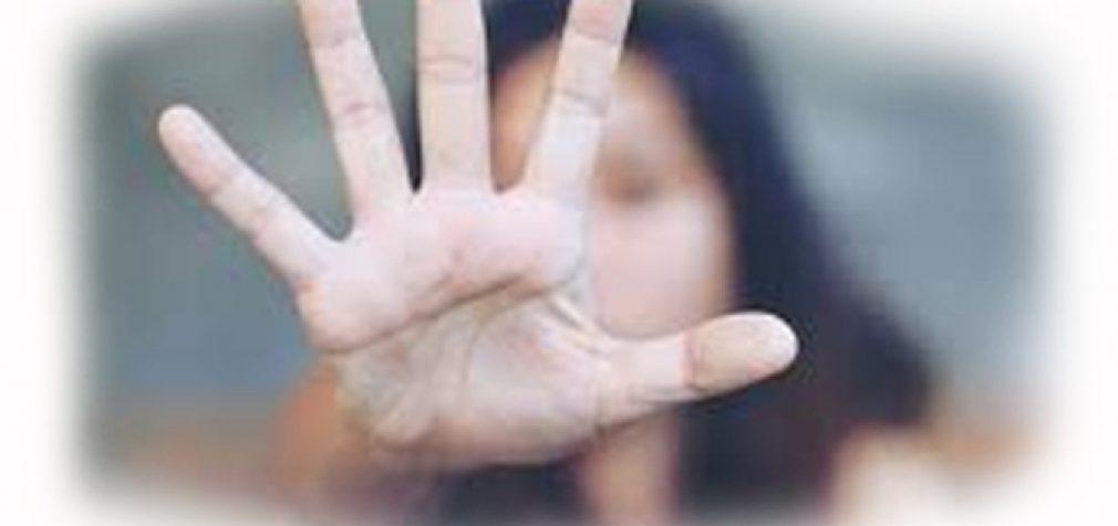 Apie sutuoktinio smurtą prieš kūdikį pamelavusiai kaunietei pradėtas ikiteisminis tyrimas