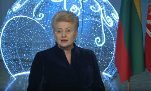 Prezidentė naujametiniame sveikinime paragino Lietuvos žmones ginti savo teises ir laisves [video]