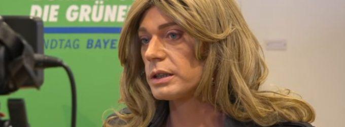 Transgenderis, laikantis save moterimi, apsiskelbė Bavarijos parlamente
