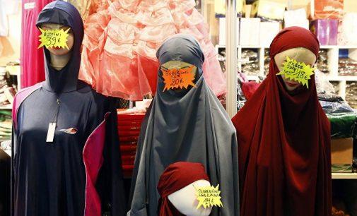 """Islamizmo akivaizdoje mūsų elitas mus išdavė"""", – sako prancūzų žurnalistas"""