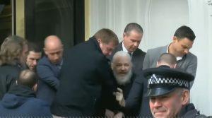 Džuliano Asandžo arešto momentas
