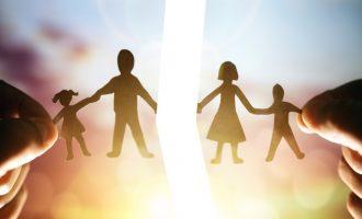 Teismas: Tėvai ne tik turi teisę, bet ir pareigą bendrauti su savo vaikais, net jei santuoka nutraukta