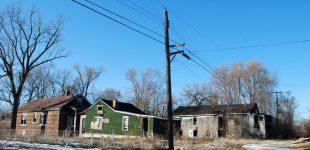 JAV miestuose valdžia parduoda paliktus namus už 1 dolerį