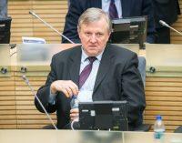 """R. J. Dagio iššūkis Landsbergių klanui, """"Dėdulės"""" V.Landsbergio įsteigtai, """"anūko"""" G. Landsbergio paveldėtai partijai"""