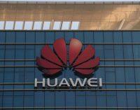 """Huawei telefonai prarado prieigą prie """"Facebook, """"Instagram"""" ir """"Whatsapp"""""""