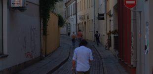 Lidžita Kolosauskaitė. Fasadinių miestų fasadiniai gyvenimai