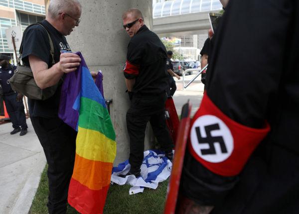 Šlapinasi ant Izraaelio vėliavos