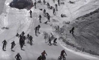 """""""Pragaro kalnas"""": Alpėse susidarė kamštis iš nugriuvusių dviratininkų"""