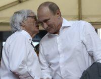 """""""Jei kažkas norėtų nušauti Putiną, aš užstočiau jį"""", – sako Bernie Ecclestone. – """"Jis geras vyrukas"""""""