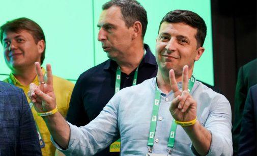 """Po pergalės rinkimuose Volodimiras Zelenskis atsakė į klausimą """"kada pradės sodinti?"""""""
