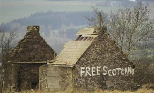 Škotai nori nepriklausomybės ir pasilikti Europos Sąjungoje
