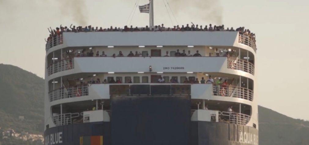 Nelegalūs migrantai atvyksta į žemyną
