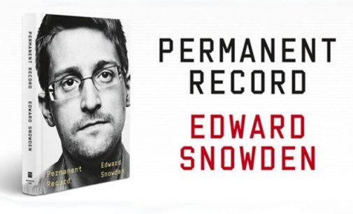 """JAV nori prisiteisti pas E. Snoudeną jo honorarą už išleistą knygą """"Permanent Record"""""""