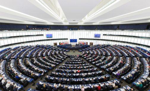 EP rezoliucijoje, smerkiančioje Molotovo-Ribentropo paktą, pabrėžiama, jog Antrą pasaulinį karą pradėjo ne tik Vokietija, bet ir SSSR