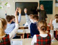 Ministras A. Monkevičius: jei galėčiau, jau dabar pakelčiau mokytojų atlyginimus 100 proc.