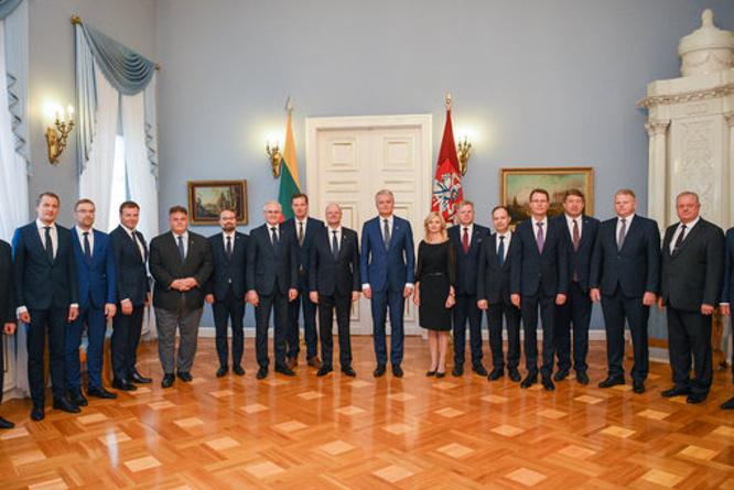 Prezidentas ir vyriausybės nariai
