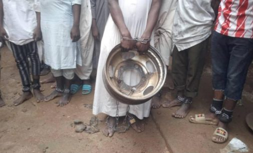 Šimtai sukaustytų grandinėmis vaikų išlaisvinti iš islamo mokyklos Nigerijoje