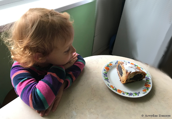 Vaikas ir pyragas - kantrybės ugdymas