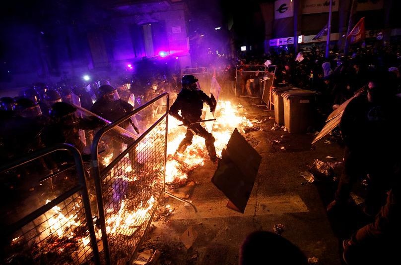 Neramumai barselonoje protestuojant prieš auksciausio Ispanijos teismo nuosprendžius