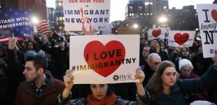 """Niujorke demokratų valdžia uždraudė išsireiškimą """"užsienietis-nelegalas"""""""
