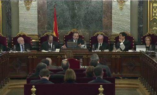 Katalonijos separatistų referendumas paskelbtas neteisėtu, o jų lyderiams skirtos iki 13 metų kalėjimo bausmės