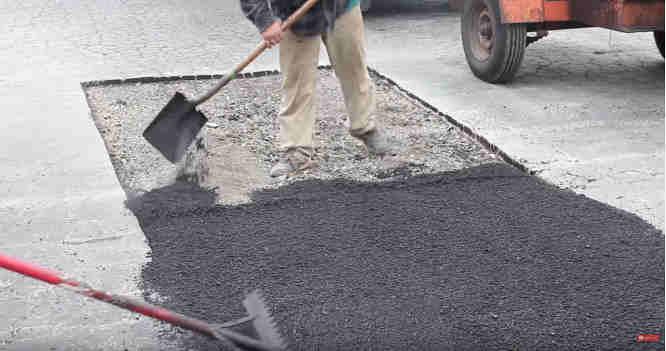 Kloja asfaltą