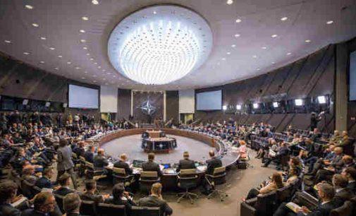 """R. Karoblis: """"Rusija išlieka grėsme, todėl būtina stiprinti NATO atgrasymą ir gynybą ties rytinėmis Aljanso sienomis"""""""