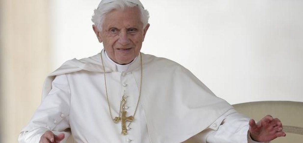 Popiežius Benediktas dengė seksualinius nusikaltimus Vatikane?