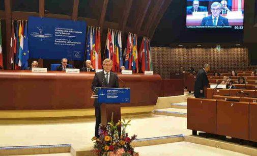 Seimo Pirmininko kalbos metu ES Parlamentų pirmininkų konferencijoje, Rusijos delegacijos atstovai atsistojo ir išėjo