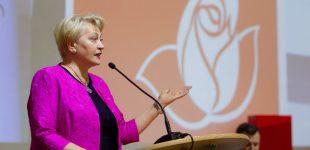 R. Budbergytė perspėjo valdančiuosius: kaimus stumiate atgal į akmens amžių