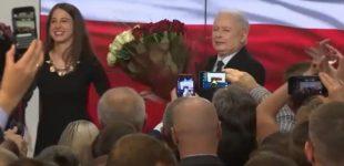 """Rinkimus Lenkijoje laimėjo valdančioji """"Teisė ir teisingumas"""" partija"""