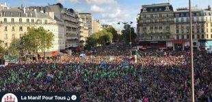 Dešimtys ar net šimtai tūkstančių žygiuoja Paryžiuje, kad vaikai turėtų teisę į tėvą