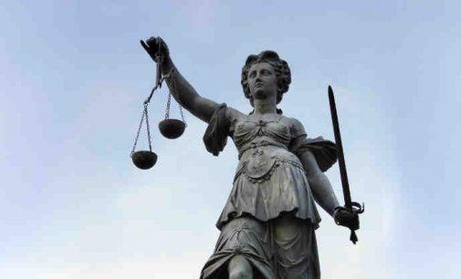 Baltarusijos pilietis nužudęs kūdikį nuteistas sušaudyti, o jo bendrininkė-motina maksimalia bausme