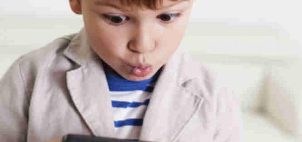 Mokinius iš socialiai jautrių šeimų pasieks dar tūkstantis kompiuterių