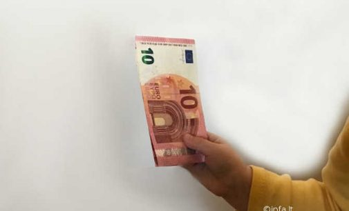 Seimas po svarstymo pritarė išmokų vaikams didinimui nuo 50 iki 70 eurų