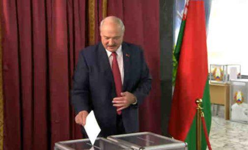 """""""Kokiam galui mums tokia sąjunga?"""" Lukašenka rinkimų dieną pasisakė apie integraciją su Rusija"""