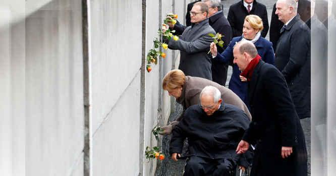 Švenčiama Berlyno sienos griūtis