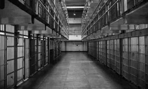Trys amerikiečiai už grotų praleido 36 metus, už nusikaltimą, kurio nepadarė