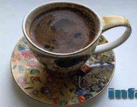 Vokiečių kardiologas išsklaidė mitus apie kavos žalą, raudono vyno naudą ir kitus