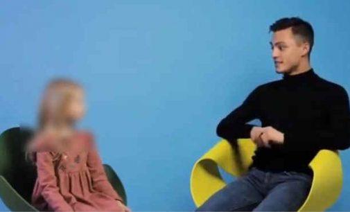 Video, kur vaikai užduoda klausimus gėjui, tapo pagrindu bylai už seksualinę prievartą