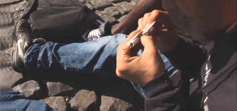 Kaip Seimui ir visuomenei pristatomi valdančiųjų bandymai tyliai prastumti su narkotikais susijusių veikų dekriminalizavimą