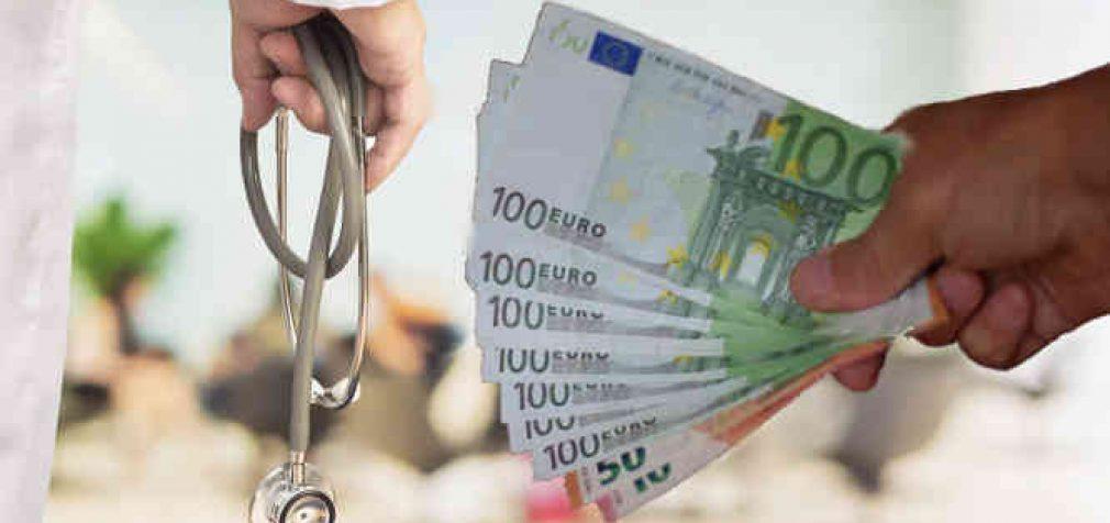 Įteisinus visų medicinos sričių licencijavimą ir papildomus biurokratinius reikalavimus – medicinos paslaugos prognozuojamai brangs