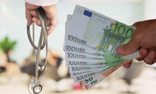 Šiaulių ligoninės vadovybė grobusi didžiules lėšas ir ėmusi kyšius išsisuko lygtinėmis bausmėmis